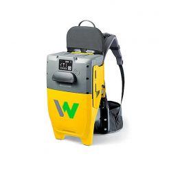 Rucsac cu convertizor de frecventa integrat Wacker Neuson ACBe, compatibil cu acumulator BP